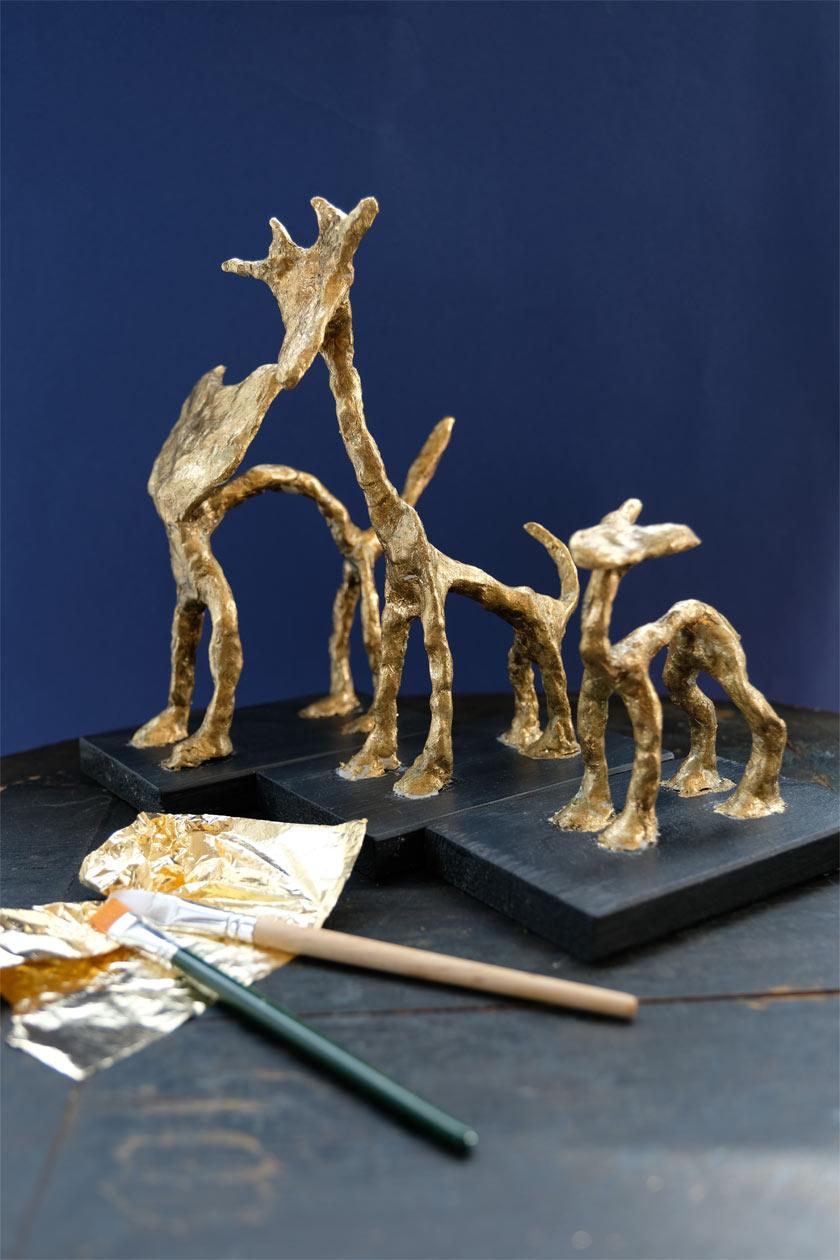 vergoldete tierskulpturen