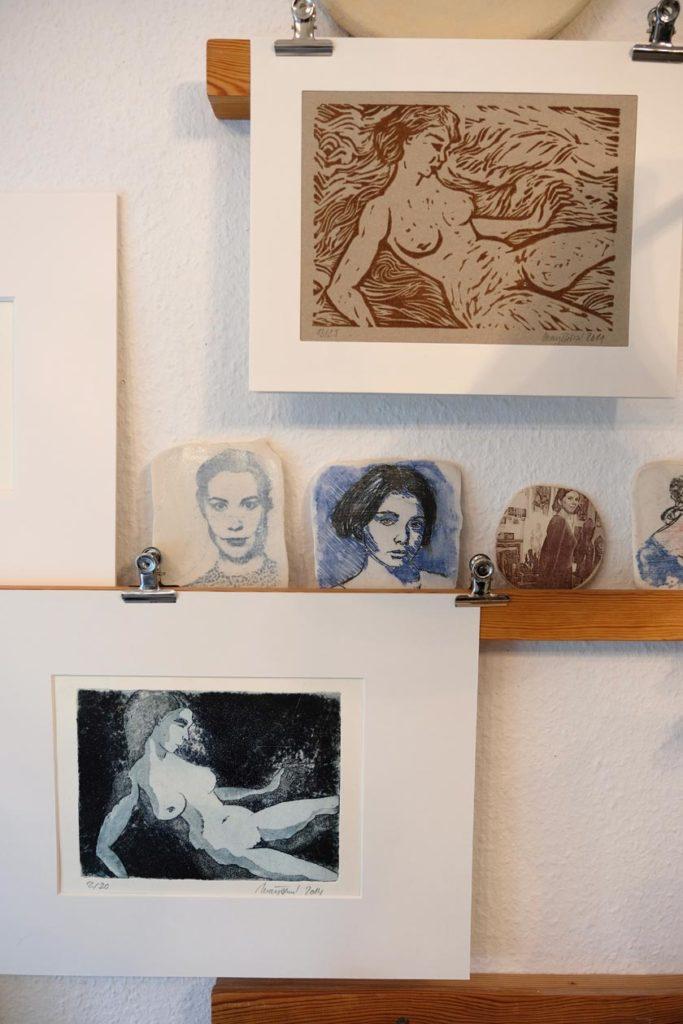 Bilderwand im Atelier