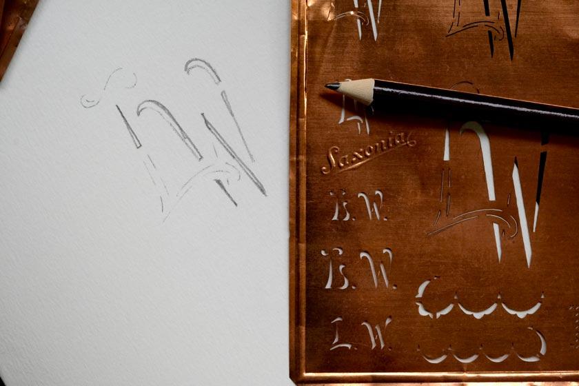 Antike Stickschablonen für Monogramme