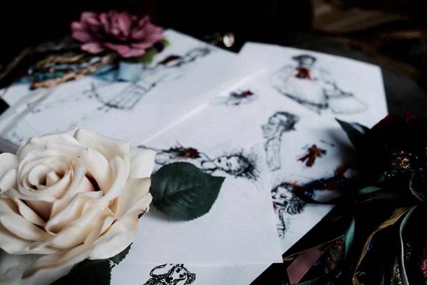 Fashion-DIY: Ansteckblüten mit Fransen