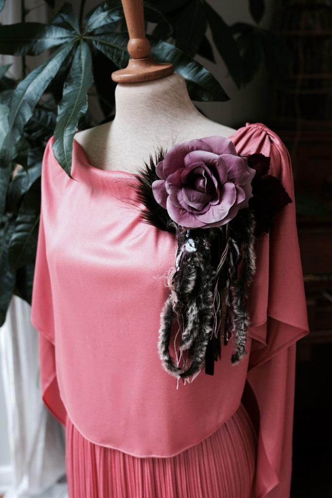 Fashion-DIY: Ansteckblüte mit Fransen