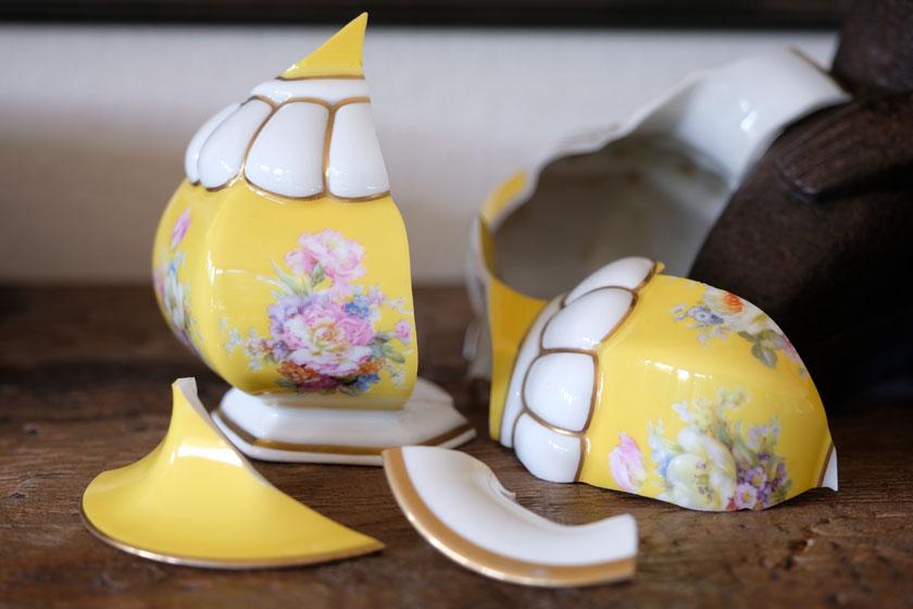 Kintsugi – wenn Keramiknarben zu Goldspuren werden