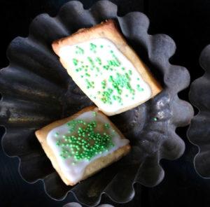 Rezept: Ingwer-Limetten-Kekse mit karamellisiertem Ingwer. Super einfach und so köstlich!