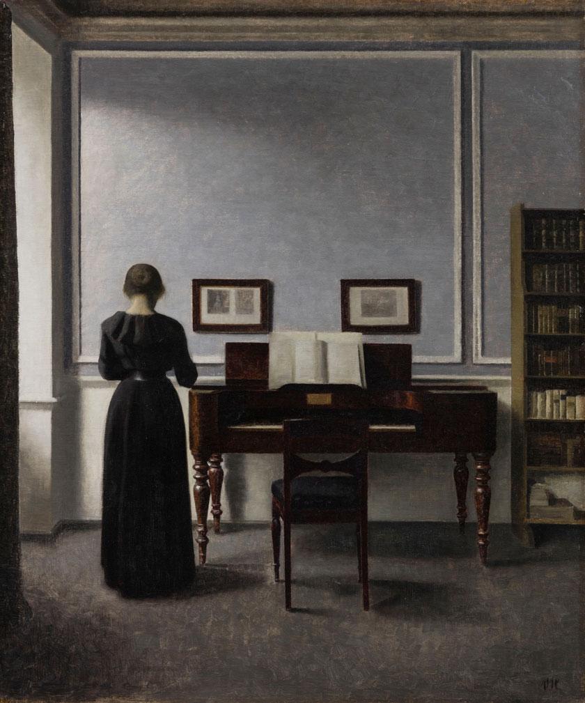 Vilhelm Hammershøi – Interieur mit Klavier und Frau in Schwarz/Foto: Anders Tune Berg