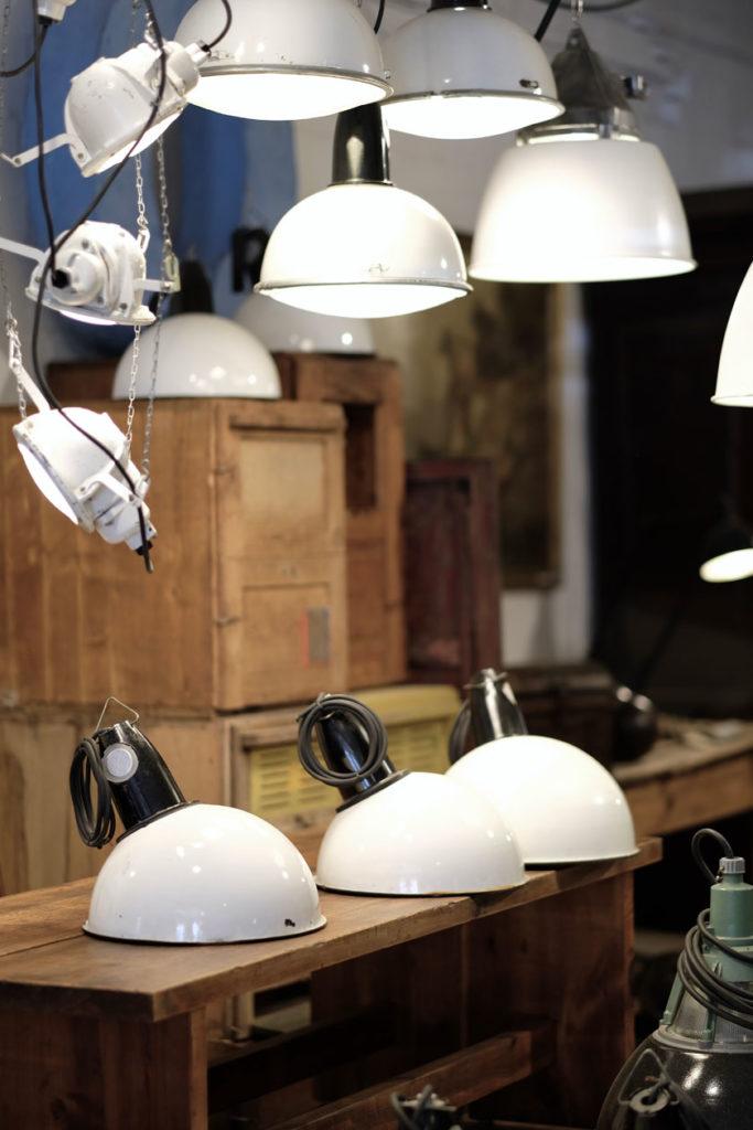 Alte Leuchten aus Industriestätten haben einen eigenen Charme