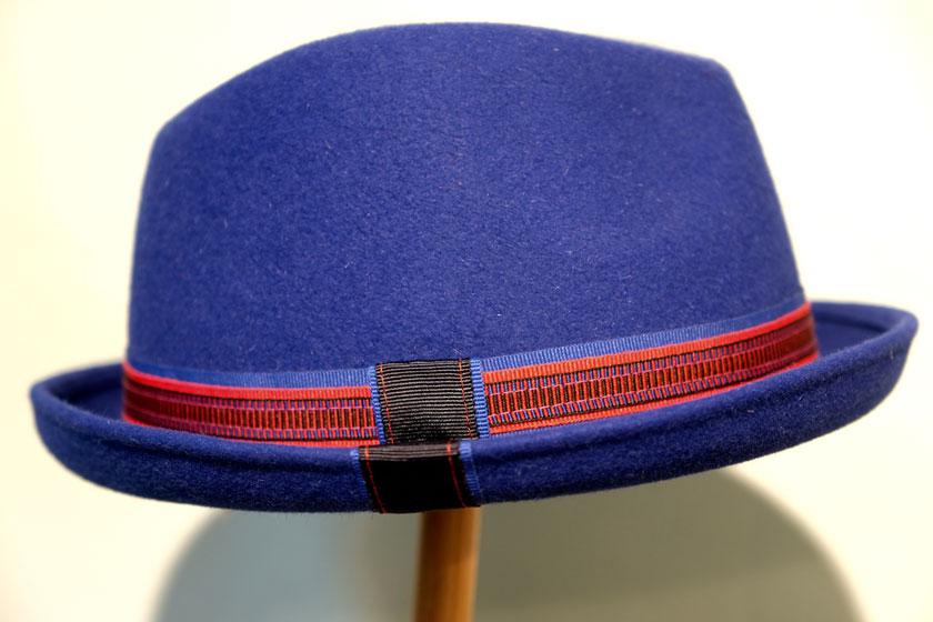 Hut von Rotkäppchen designs.