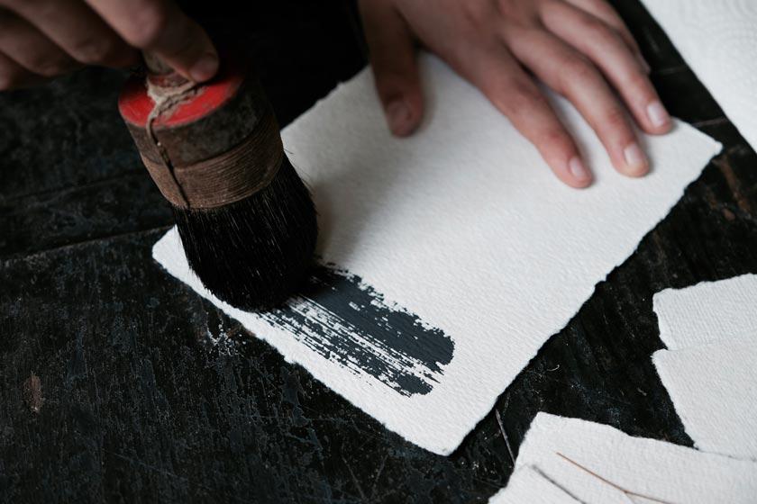 Handgeschöpftes Papier hat eine fantastische Haptik