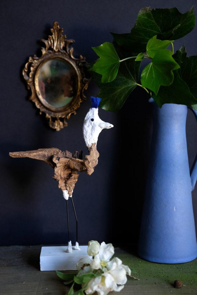 Vogelskulptur aus Wurzelholz. Ein DIY