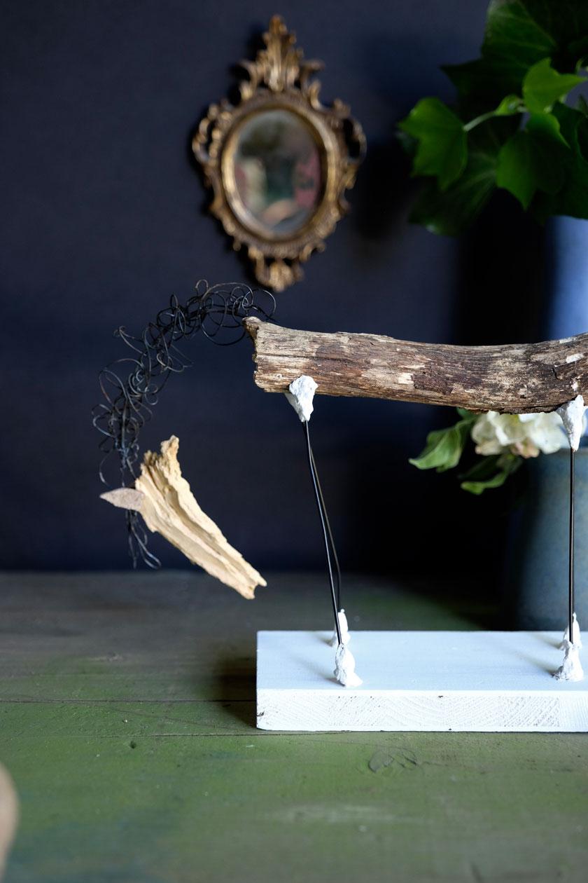 Skulpturen aus Naturmaterialien: Waldpferd mit geräucherter Mähne. Ein DIY