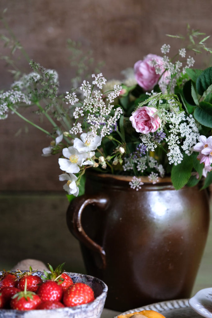 Gartenblumen für den Kaffeetisch