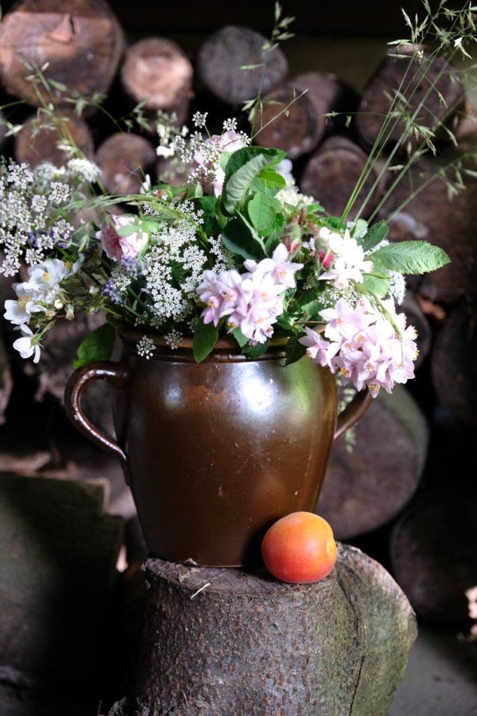 Windbeutel mit Thymian-Lavendel-Früchten