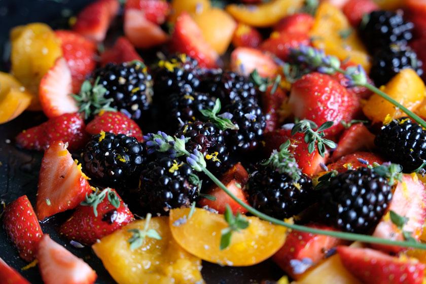 Windbeutel mit mediterranen Früchten