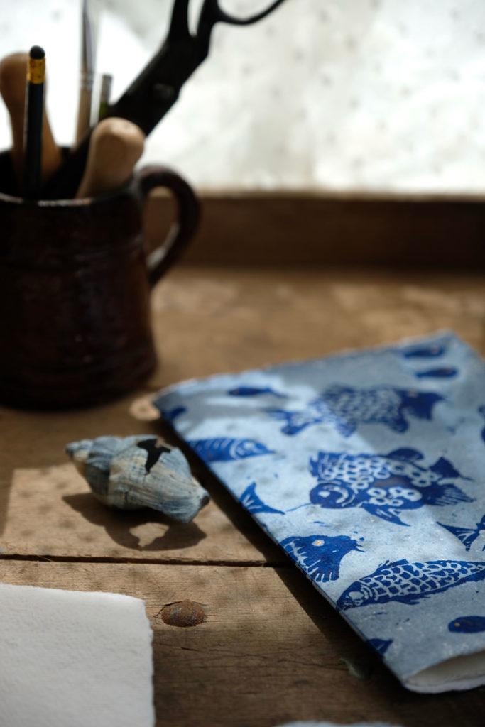 Buchbinden: Heftbindung für Notizhefte aus handgeschöpftem Papier. Ein DIY