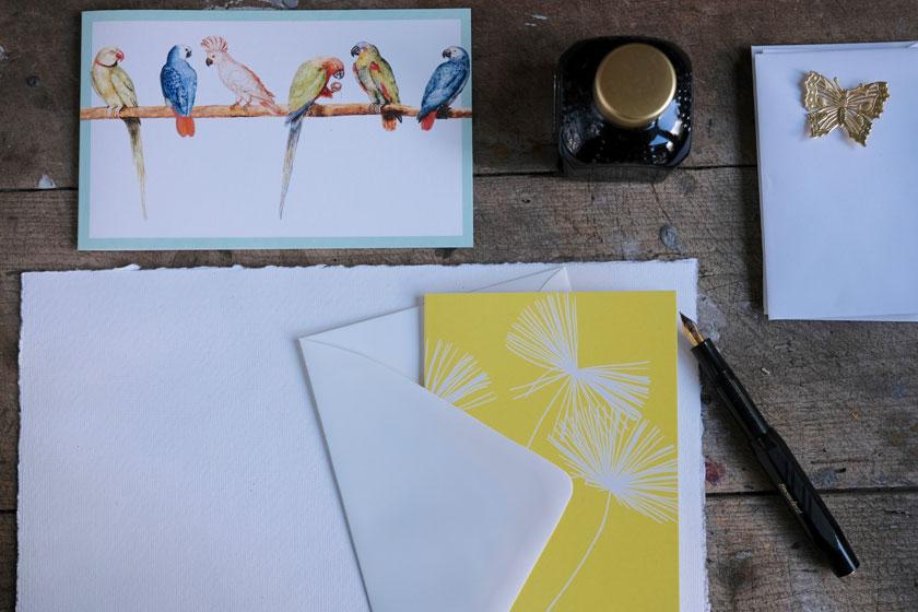 Grußkarten werden - mit Füller beschrieben – zu wunderbaren Überraschungen.