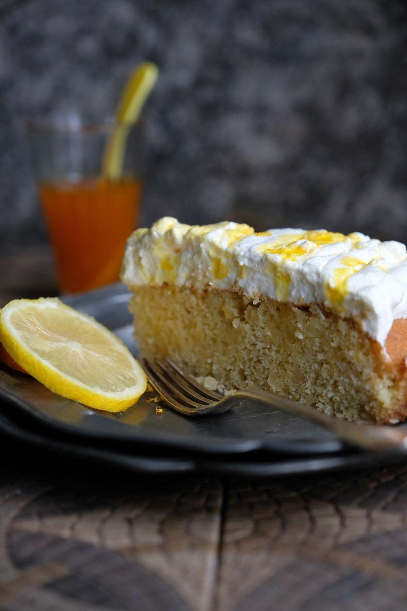 Orangen-Zitronenkuchen mit Safransahne