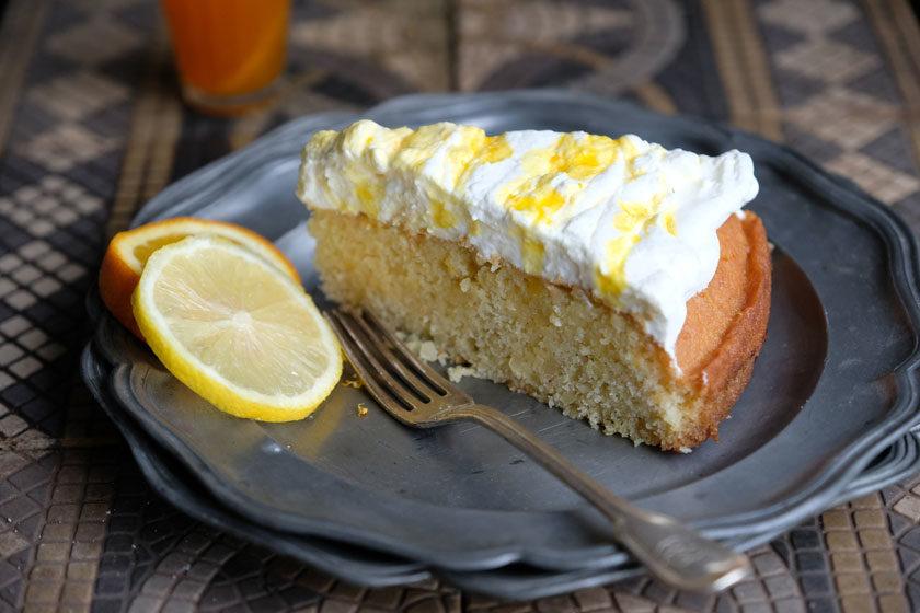 Orangen-Zitronenkuchen mit Safransahne –super saftig!